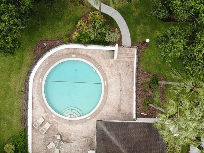 house with round pool